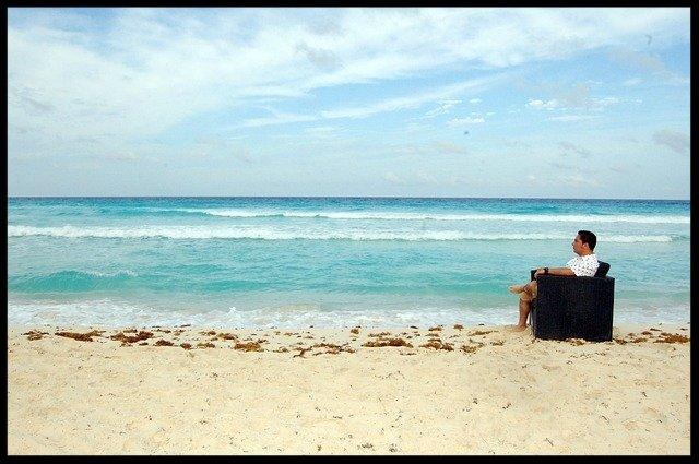 beach-880029_640.jpg