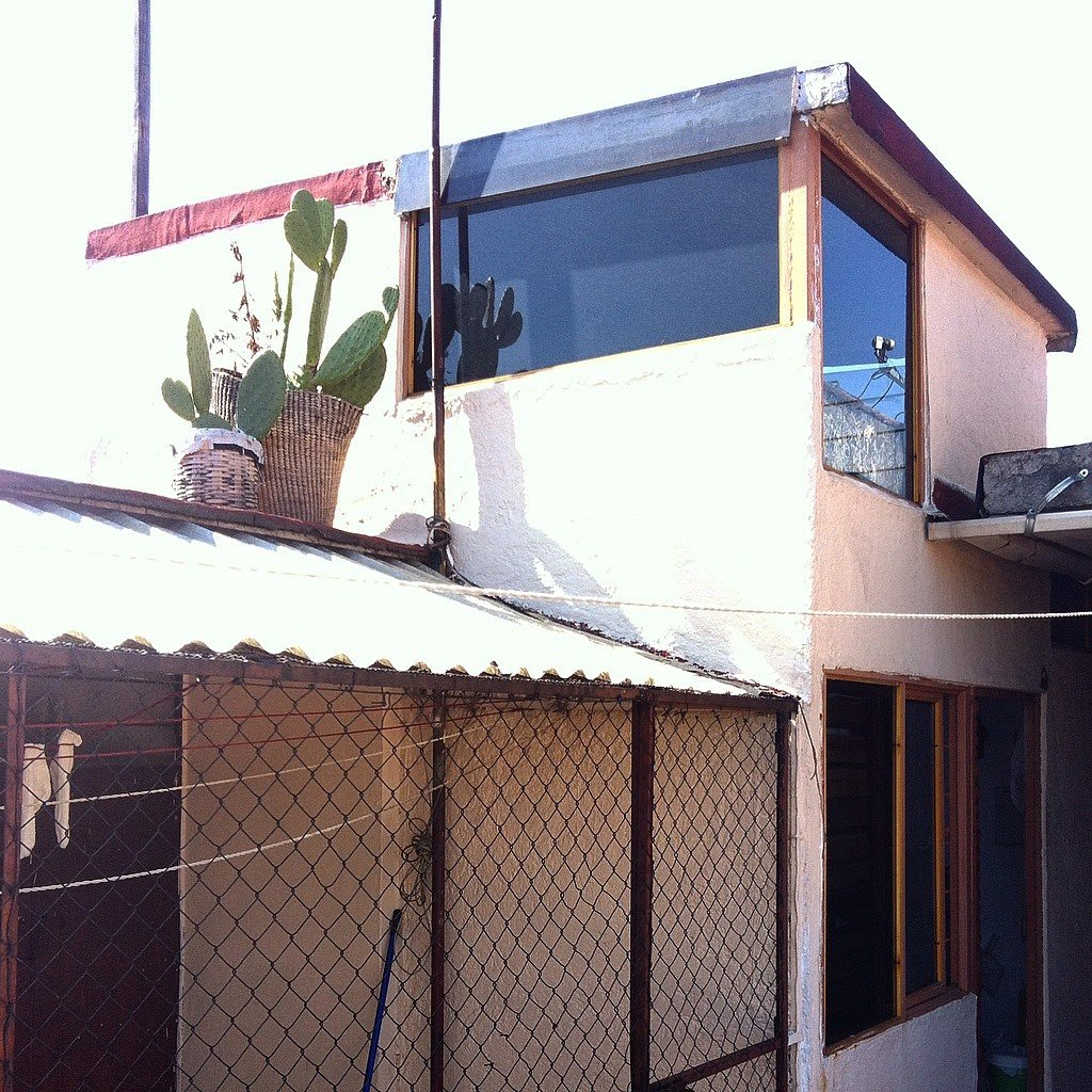 Ah, my old house! This is where I lived shortly after I arrived to Mexico City. Av. San Jerónimo. Close to Copilco Metro/UNAM.
